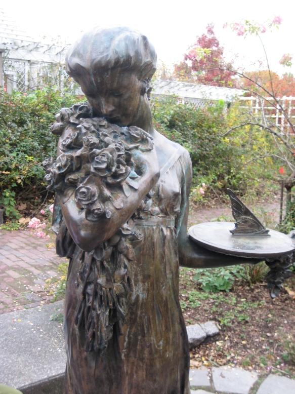 Outdoor sculpture at the Brooklyn Botanic Garden