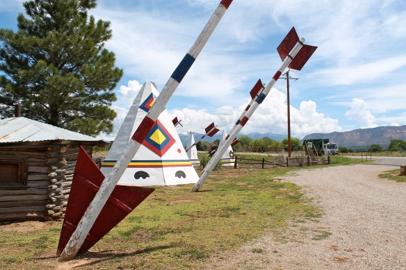 Giant arrows and teepees outside a shop in between Durango and Mesa Verde, Colorado.