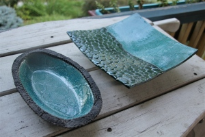 Shallow bowl and darted dish.
