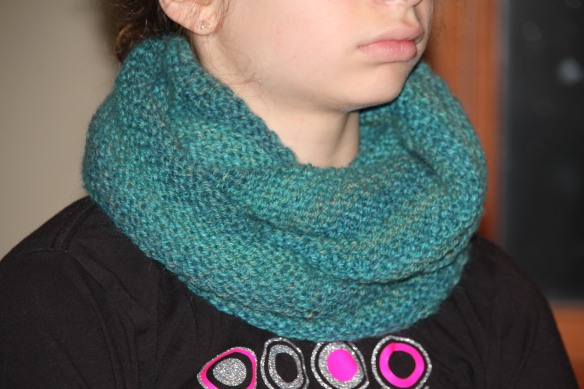 Honeycomb patterned cowl.
